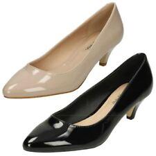 Calzado de mujer zapatos de salón de color principal negro de charol