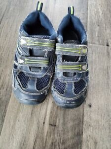 Toddler Boy Size 10.5W Wide Stride Rite Shoes