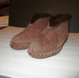 L.L. BEAN Men's Size 11 WICKED Good SLIPPERS Suede WOOL LINED Leather Sole
