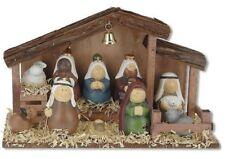 Komplette Weihnachtskrippe mit Holzstall und 10 Keramikfiguren