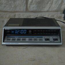 Vintage GE General Electric FM/AM DUAL Alarm Digital Clock Radio LOUD 7-4663A