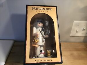 1999 nutcracker village veterinarian old world tradition nutcracker MIB