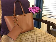 Fossil Rachel ZB6817 Brown / Tan Leather Large Carry-all Shoulder Tote Purse Bag