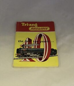 TRiANG RAILWAYS THE FIRST 10 YEARS CATALOGUE R.T 208 1962
