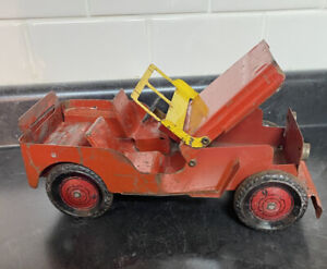 Vintage pressed steel red Willy's toy Jeep, Marx, tin wheels, 1940's