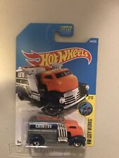 HOT WHEELS HW CITY WORKS FAST GASSIN #7/10 ORANGE 2017