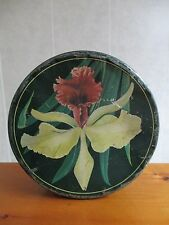 """Vintage 10"""" Round Tin Can with Flower Primitive Country Decoration Button Sewing"""