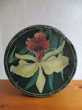 """New listing Vintage 10"""" Round Tin Can with Flower Primitive Country Decoration Button Sewing"""