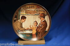 Knowles Collectors Plate ~ Norman Rockwell: A Time To Keep ~ Bradex 84-R70-13.1