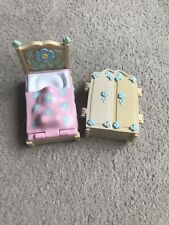 Fifi and the Flower Tots Spare Bed & Wardrobe From Play Set