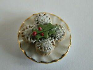 (CF.16) 1/12th scale DOLLS HOUSE HANDMADE  FOUR CHRISTMAS MINCE PIES ON A  PLATE
