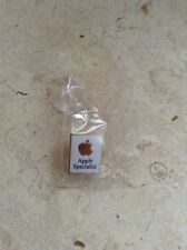VERY COLLECTABLE  APPLE SPECLIALIST  LAPEL PIN  STEVE JOBS ERA