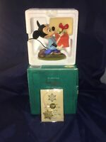 WDCC Disney Mickey Mouse 1995 Presents for my Pals Holiday Annual