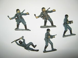 Airfix German soldiers 5 in 3 poses 1/32 excellent painted cond