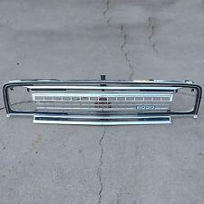 Jeep Wagoneer SJ 1971 1972 1973 grille grill emblem