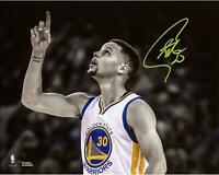 """Stephen Curry Golden State Warriors Signed 8"""" x 10"""" Record Breaking Game Photo"""