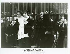 ANJELICA HUSTON  RAUL JULIA THE ADDAMS FAMILY 1991 VINTAGE PHOTO ORIGINAL #1
