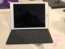 Used - Apple iPad Pro 9.7 Inch 256GB Wi-Fi - Gold - Mint Condition + Smart Keybo