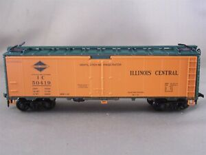 Athearn Limited Edition - Illinois Central - 40' Steel Reefer + Wgt # 50419