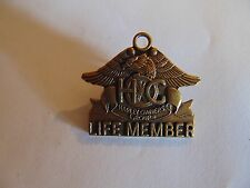 INSIGNIA CREST HAT PIN MINI BADGE HARLEY DAVIDSON OWNERS GROUP LIFE MEMBER USA
