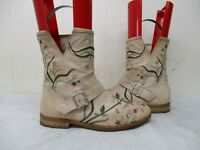 Cento X Cento Italy Beige Leather Embroidered Flowers Boots Womens Size 37 EUR