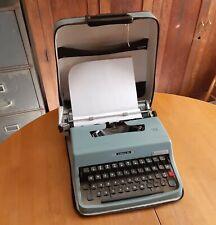 Underwood Olivetti Lettera 32 Typewriter Portable Manual Blue Leather Case ITALY