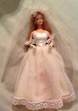 VINTAGE  BARBIE IN BRIDE GOWN OUTFIT