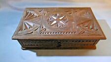 boite rectangulaire en bois sculpté