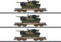 Marklin HO 48795  Slmmps Heavy-Duty Flatcar with Leopard Tank 3-Pack  Danish DSB