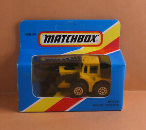 Vintage MATCHBOX by Lesney Superfast MB 29e Shovel Tractor MADE IN MACAU