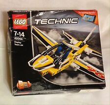 LEGO TECHNIC N°42044 Display Team Jet