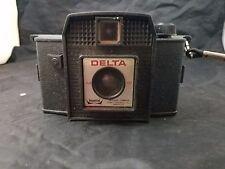 VINTAGE 1960s IMPERIAL DELTA 127 CAMERA WITH FLASH