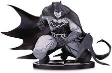 Batman: Black and White ~ BATMAN (by JOE MADUREIRA) STATUE ~ DC Collectibles DCD