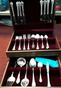 Oneida Community SilverPlate Flatware for 8 Extra Serving Pieces Wood Case vtg
