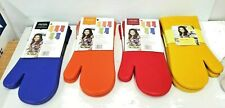 New Rachel Ray Kitchen Silicone Oven Mitt Set of Two Protective Fabric Lining