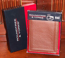 Brown Leather PASSCASE WALLET Bi-fold Organizer Roundtree & Yorke New in Box $40