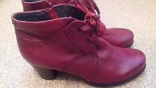 LADIES TAMARIS NICE DESIGN RED BOOTS SIZE UK 6.5 EURO 40