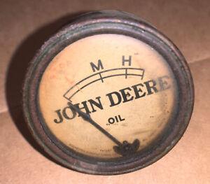 JOHN DEERE UNSTYLED A B G WHITE FACE OIL GAUGE WORKS GOOD!
