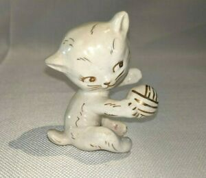 Vintage Cat Kitten Figurine Napco Japan Playing With Gold Trim Ball