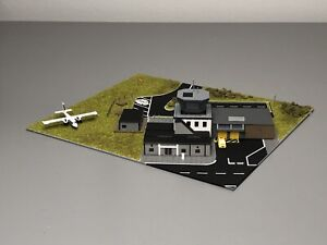 1/400 Airport Control Tower Set Gse. Please Read Before Bidding