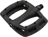 iSSi Thump Flat Pedals: Composite with Molded Pins, Black