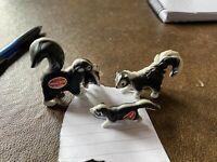 Vintage Miniature Skunk Family Set of 3 Bone China Figurines Japan Lt C Sticker