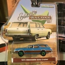1/64 GREENLIGHT ESTATE WAGONS 1972 OLDSMOBILE VISTA CRUISER BLUE CHASE CAR