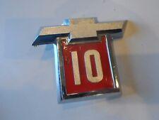 NOS 1964 64 1/2 Ton Chevy C10 Fender Emblem Logo Bowtie Red 3838641 GM SK