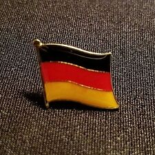 RARE 1990's DISNEY WDW GERMAN FLAG CAST MEMBER LANGUAGE NAME TAG ADD ON PIN LE