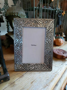 VINTAGE EFFECT HANDMADE INDIAN PHOTO FRAME MADE FROM EMBOSSED TIN