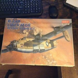 Academy Minicraft 2135 B-24D LIBERATOR BLONDE BOMBER II - MODEL KIT new/sealed