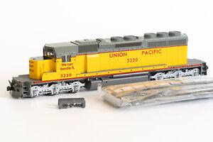 NEW HO KATO UP SD40-2 #3220 Union Pacific EMD Diesel Locomotive 37-2712