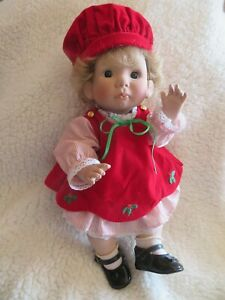 Vintage 1988 Lee Middleton Little Angel Christmas Holiday Edition Baby Doll NR