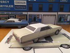 Papercraft 1972 Chrysler New Yorker 4 door sedan Paper Model Car EZU-make